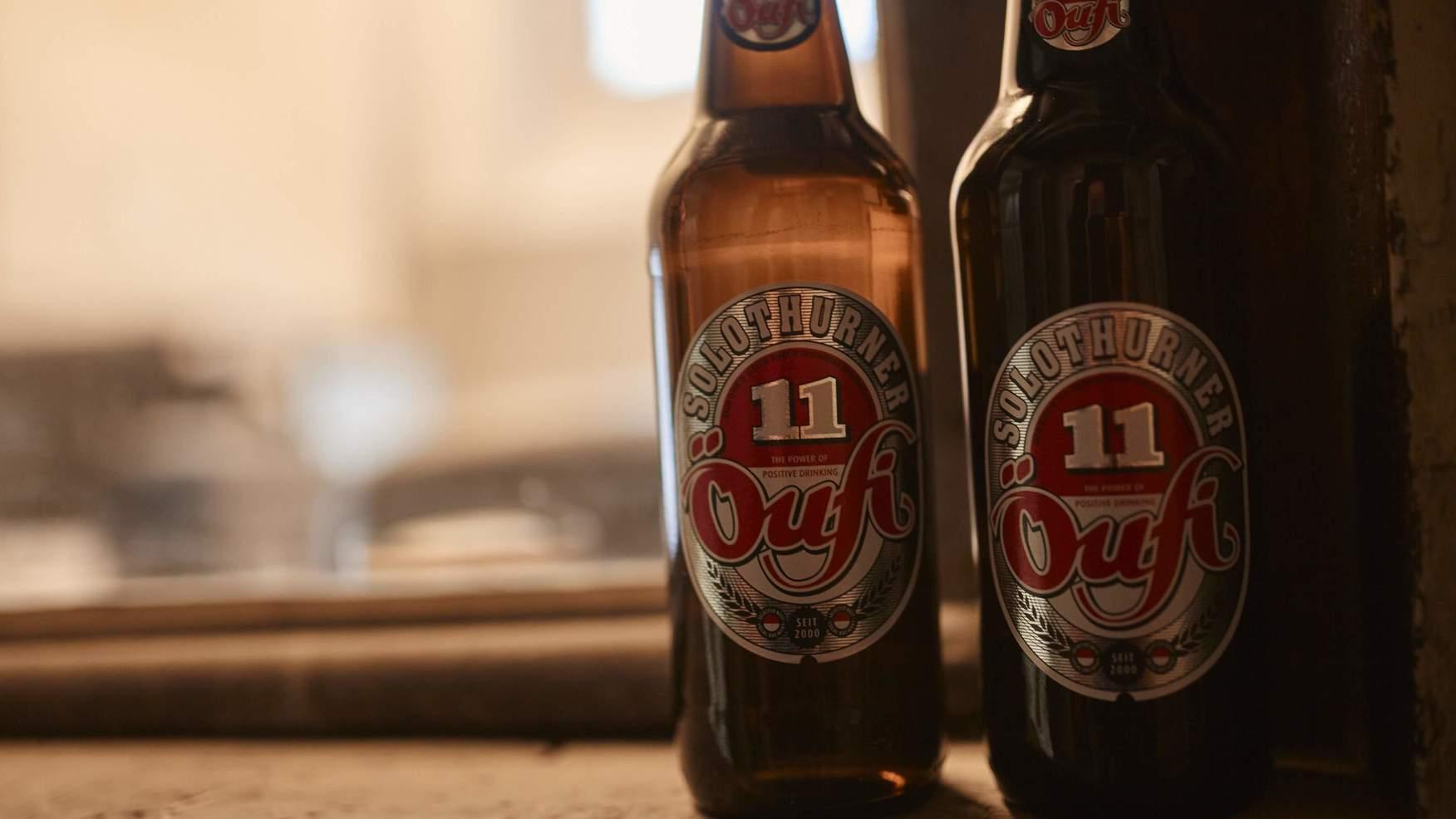 Zwei Öufi Bierflaschen