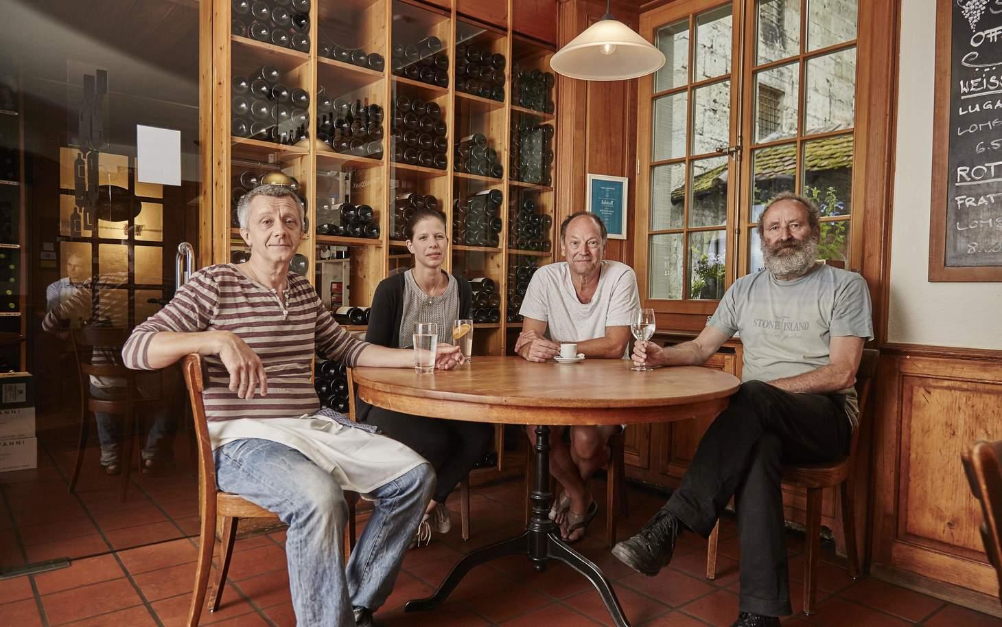 Gemütlicher Stammtisch im Vini Solothurn