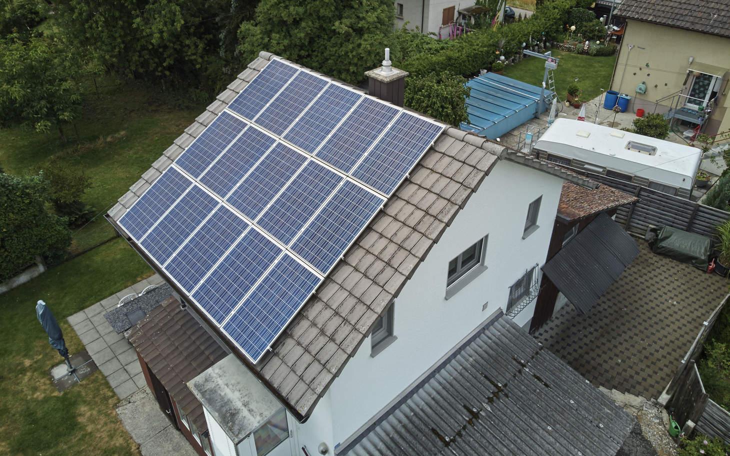 Photovoltaik Anlage auf einem Hausdach